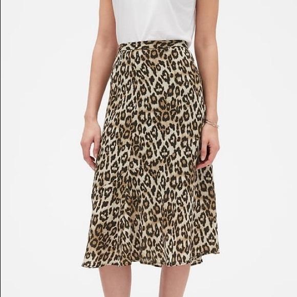 Banana Republic Dresses & Skirts - Banana Republic Leopard Skirt
